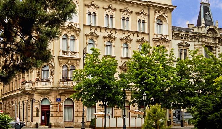 Photo: Palace hotel promo