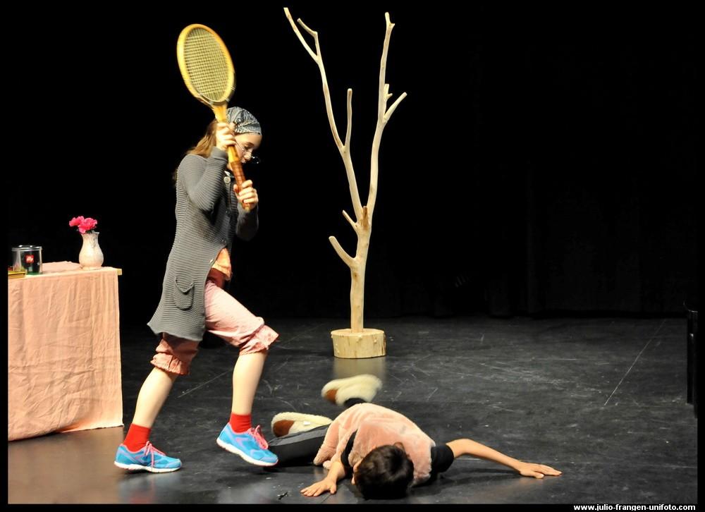 L'italiano giocando 2015 (7) Il Piccolo Teatro - Cappuccetto Rosso